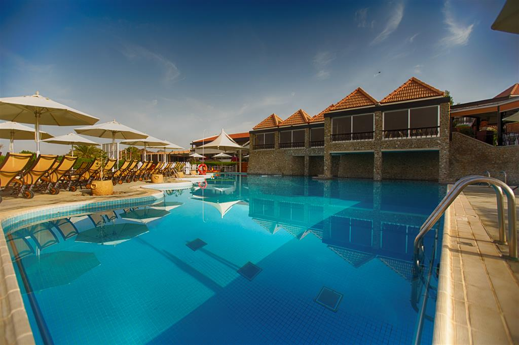 JA Hatta Fort Hotel Pool