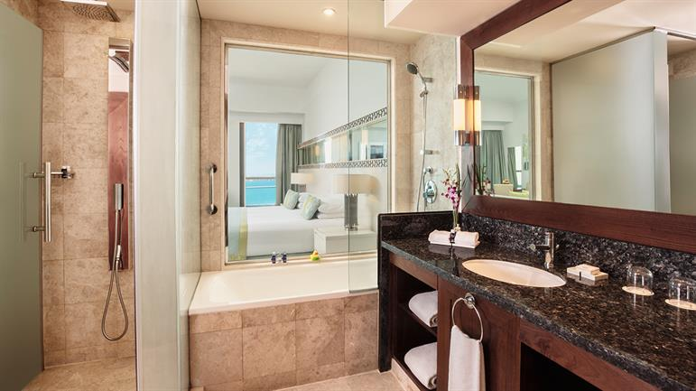 JA-Ocean-View-sea-view-junior-suite-bathroom